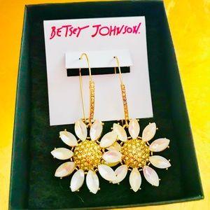 BETSEY JOHNSON Shimmering Daisy Crystal Earrings